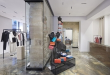 CHANEL opens two pop-up stores in Paris in the Marais district