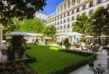 An aristocratic stay at Le Bristol, Paris (REVIEW)
