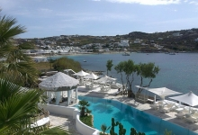 Kivotos, Mykonos' boutique hotel maintains personalized service, yet misses out on product