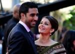 Aishwarya Rai (wearing Indian jewellery and traditional saree) and Abhishek Bachchan at the premiere of Raavan movie