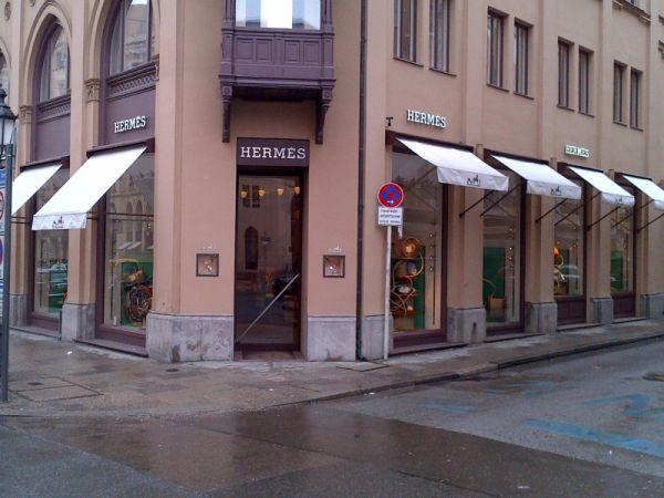 moncler shop in munich