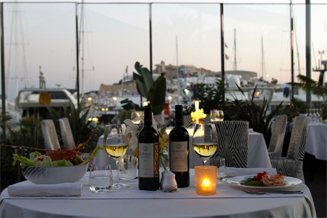 Roberto Cavalli opens restaurant and lounge in Ibiza CPP  : RC from www.cpp-luxury.com size 1117 x 745 jpeg 202kB