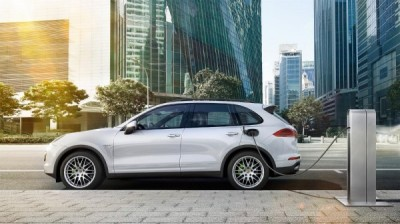 Porsche to launch plug-in hybrid version of Cayenne at Paris Motor Show