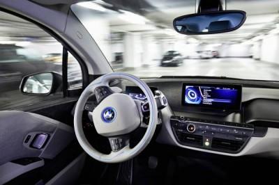 BMW debuts Remote Valet Parking Assistant at CES 2015