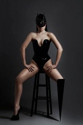 Viktoria Modesta bionic pop star