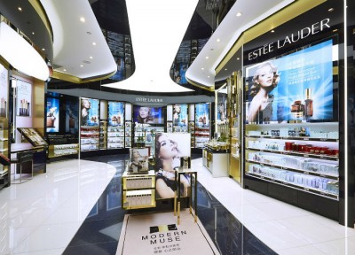 Estee Lauder opens in China its largest travel retail store