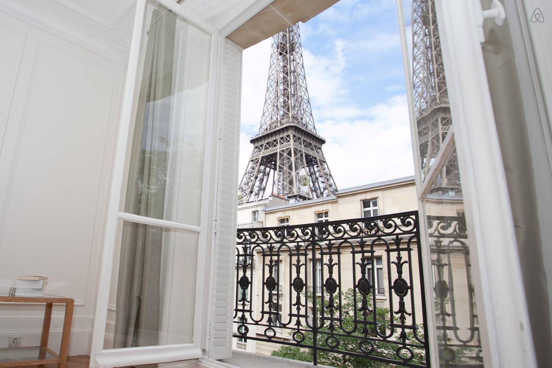Paris Cracks Down On Illegal Airbnb Rentals Cpp Luxury