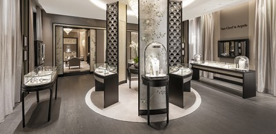 Van Cleef & Arpels new boutique in Cannes, on the Croisette