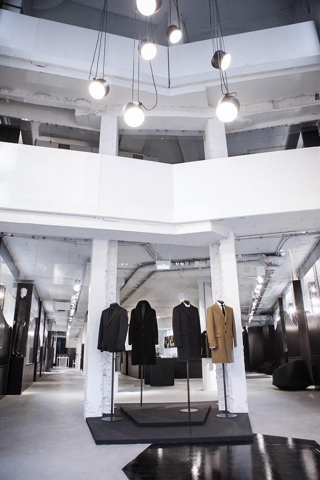 Cerruti 1881 opens new store concept in paris cpp luxury - Concept store marais ...