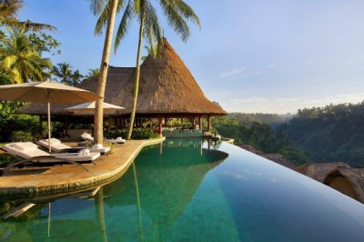 Bali shifts to mass market tourism?
