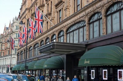 U.S. shoppers spend more in the U.K.