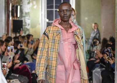 Burberry reports a 2 percent drop in revenue for the three months to end-December 2017